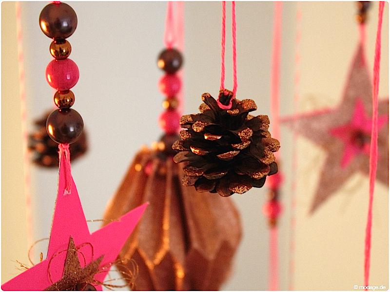 Papier-Plissee selbermachen Mobile basteln Sterne basteln Weihnachtssterne Plissee basteln Anleitung 4