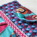 Tablettasche Sophie im Fly Feather Design