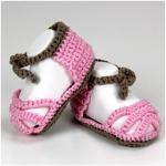 Gehäkelte Baby-Sandalen